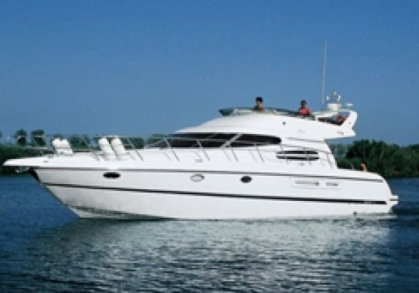 Cranchi Atlantique 48 - Yacht charter with skipper