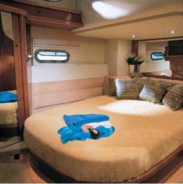 Sealine T47 Moni I - Yacht bareboat charter
