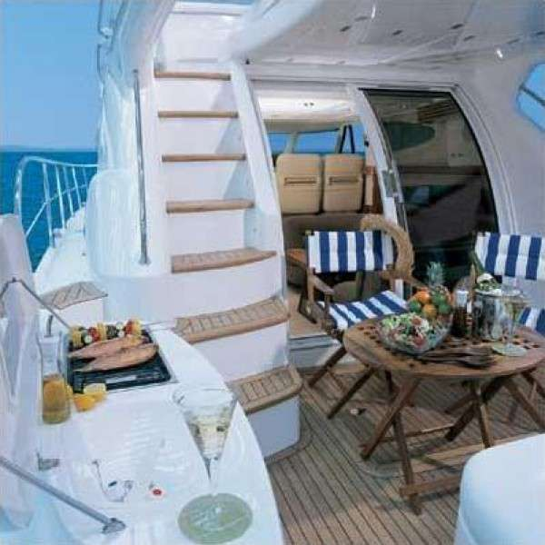 Sealine T47 Moni I - Yacht charter with skipper