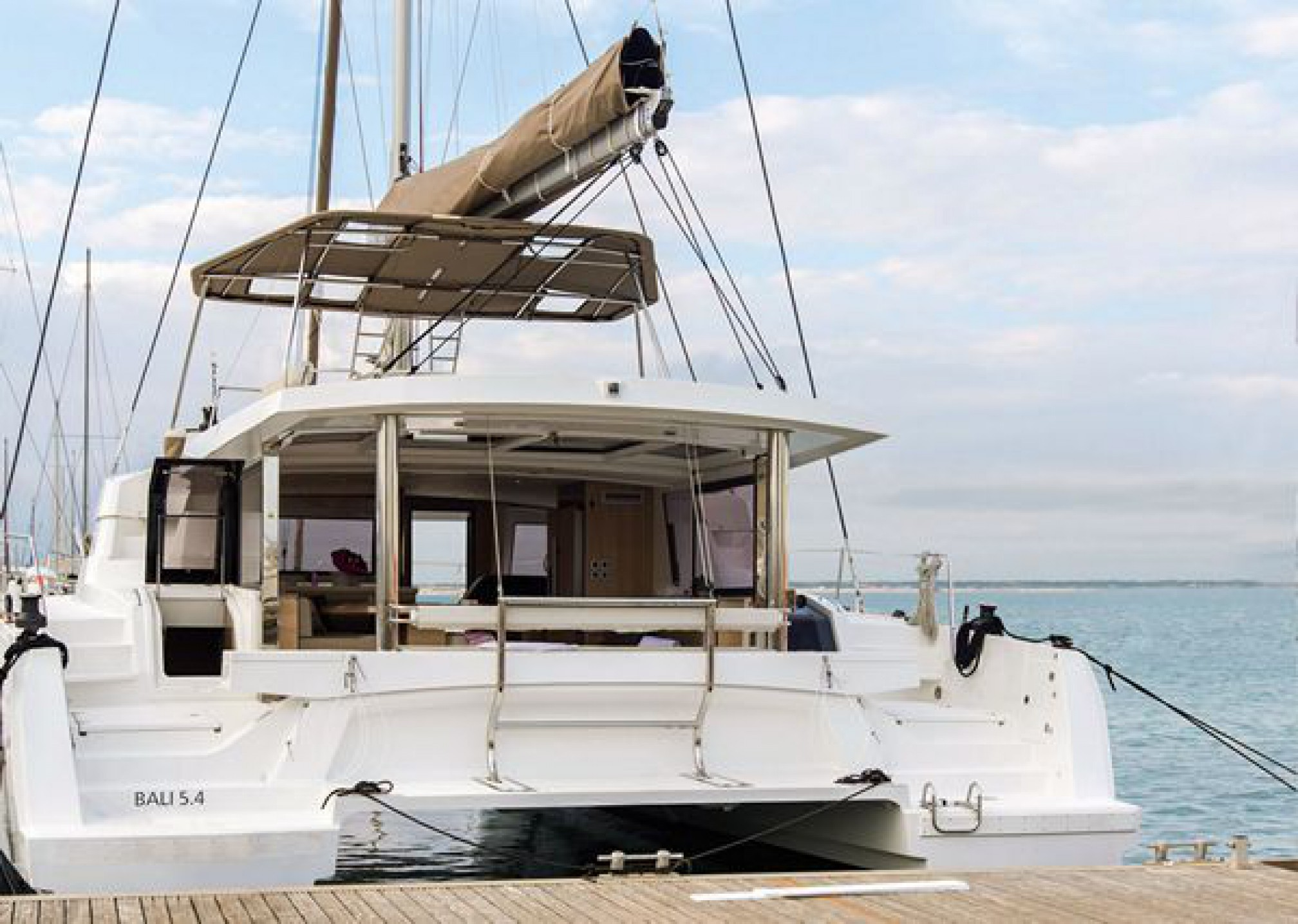 Rental catamaran Bali 5.4 anchored