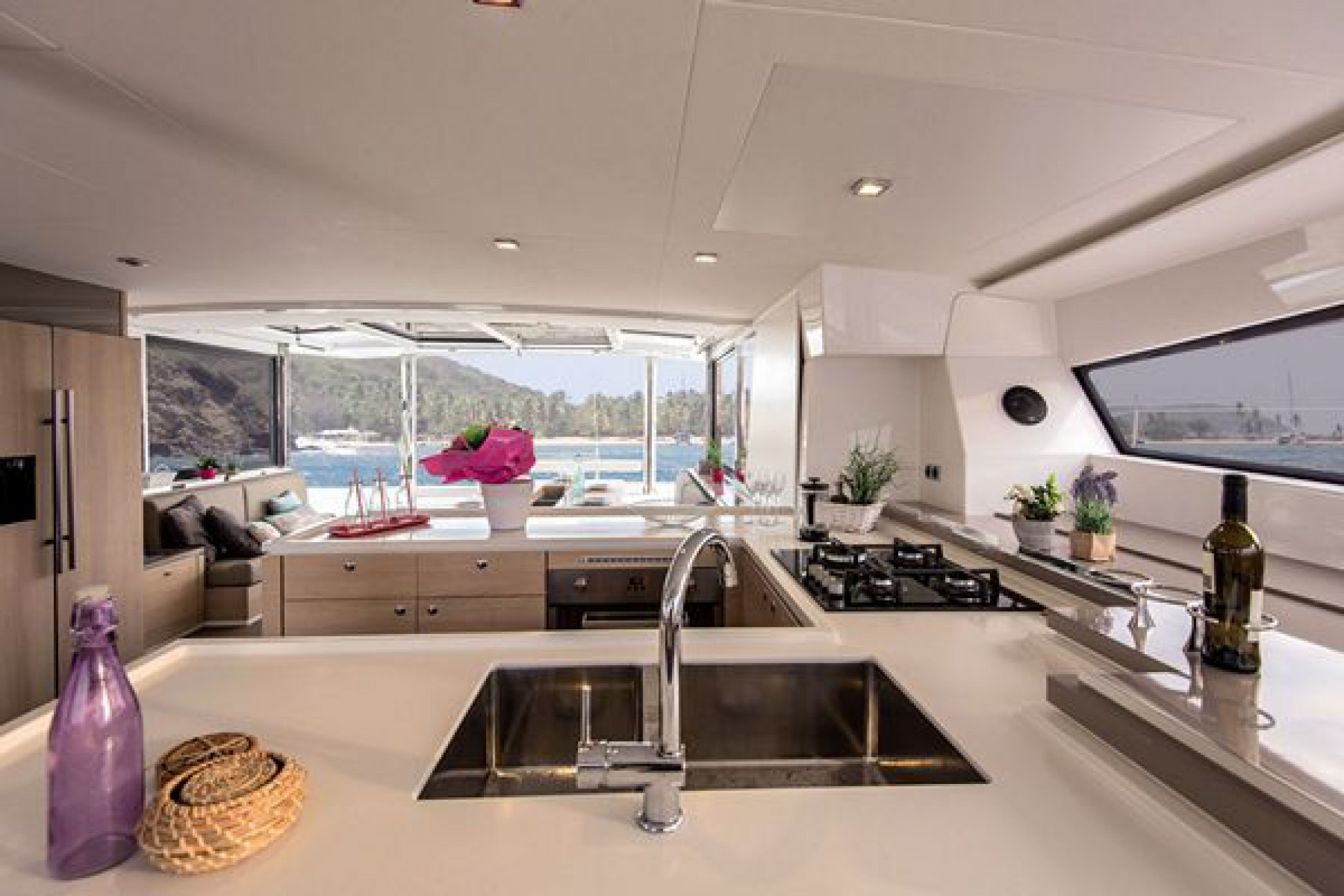 Rental catamaran Bali 5.4 galley